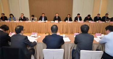华云数据董事长许广彬受邀参加江苏省民营经济调研座谈会